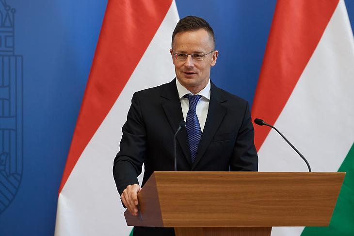 Szijjártó Péter külügyminiszter munkában Forrás: MTI
