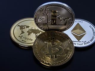 Összeomlottak a kriptodevizák, a bitcoin túlélte