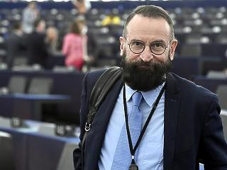 Szájer József címzetes tanári kinevezéséről az NKE szenátusa dönthet