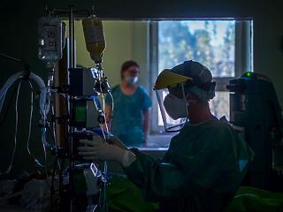 Koronavírus: Európában átlagos, a régióban magas a magyar halálozási ráta