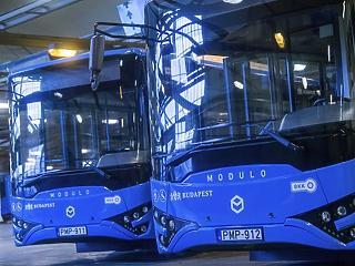 Balesetveszélyes buszokkal oldották meg a metrópótlást?