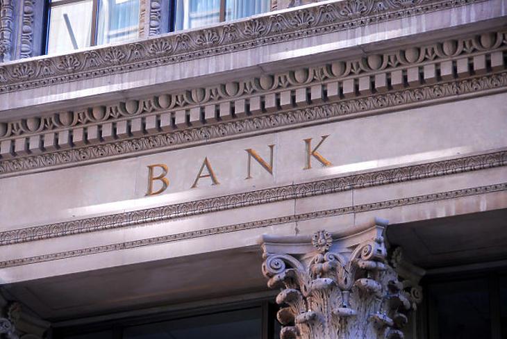Az államilag támogatott hitelek terítése is hozhat új ügyfeleket. Fotó: depositphotos