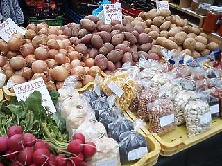 Országszerte bevásárló közösségekkel mentenék meg a helyi termelőket