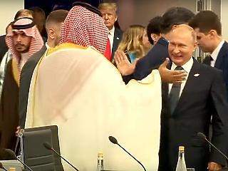 A nap képe: Putyin pacsiját nehezen lehet megmagyarázni