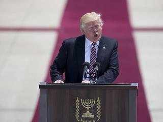 Zsarolással kényszerítené ki Trump a falépítést