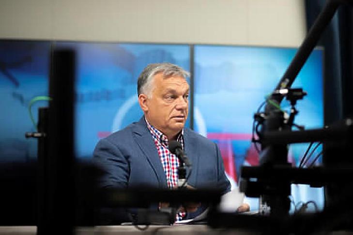 Orbán Viktor újabb béremelésekről beszélt péntek reggel (Fotó: MTI/Miniszterelnöki Sajtóiroda/Benko Vivien Cher