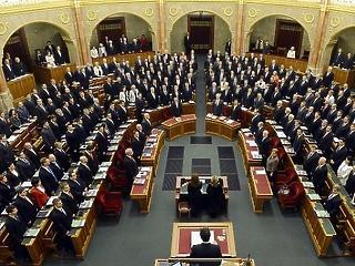 Itt az új adócsomag - megszavazta a parlament