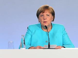 Bődületes összeggel gyógyítaná a koronavírus-sokkot Angela Merkel