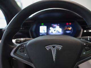 Ősszel robbanhat a Tesla-bomba, ami megrengeti az autózás világát