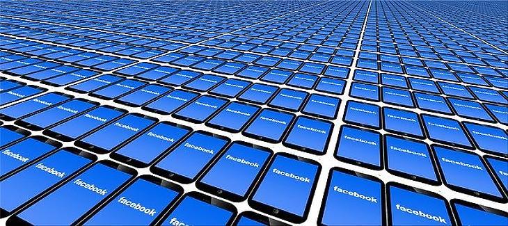 Facebook mindenhol (Pixabay)