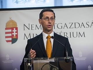 Valamire készül a kormány - Varga Mihály elhintett pár morzsát
