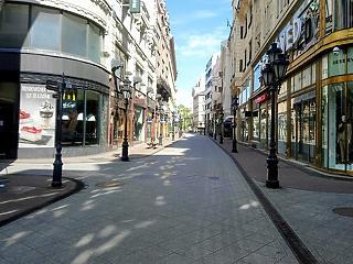 A nap képe: ilyen kihaltnak még nem láttuk a Váci utcát