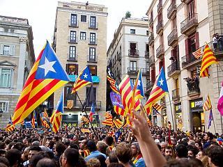 Tüntetők blokkolják a barcelonai repteret