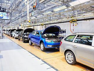 Leállította a gyártást a Skoda - egyre nagyobb bajban az autóipar