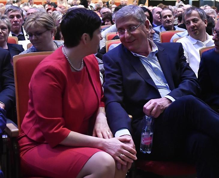 Gyurcsány Ferenc, a párt elnöke, volt miniszterelnök és felesége, Dobrev Klára, a DK európai parlamenti képviselője a Demokratikus Koalíció (DK) X. tisztújító kongresszusán a Budapest Kongresszusi Központban 2020. március 1-jén. MTI/Máthé Zoltán