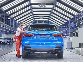 Új Audi gördült le a győri gyártósorról – így néz ki