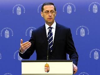 Legalább két fokozattal javíthatták volna Magyarország minősítését