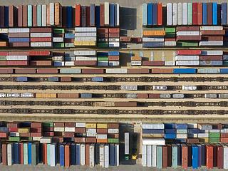 Külkereskedelem: márciushoz képest az export kiigazított volumene 0,6 százalékkal nőtt áprilisban, az importé 0,9 százalékkal csökkent.