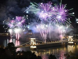 Itt a kormány döntése az augusztusi tűzijátékról!