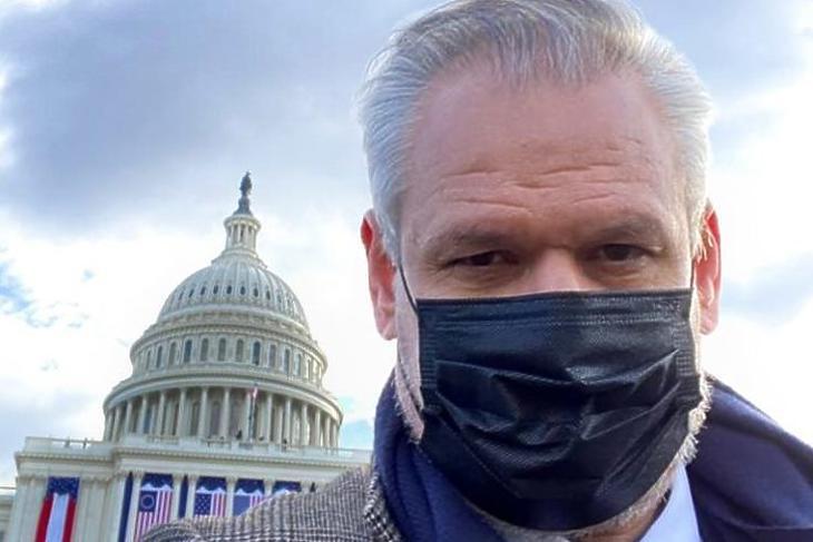 Takács Szabolcs Joe Biden beiktatásán a Capitoliumnál Washingtonban. (Forrás: Facebook/Takács Szabolcs)