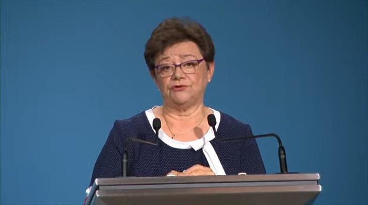 Dr. Müller Cecília: ha nem okoz egészségkárosodást a műtét elmaradása, elhalasztható. Fotó: mti