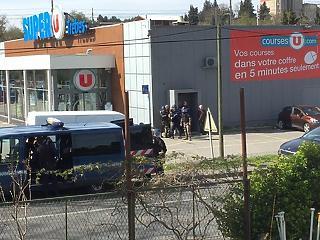 Túszdráma Franciaországban: egy halott, elengedték a túszokat