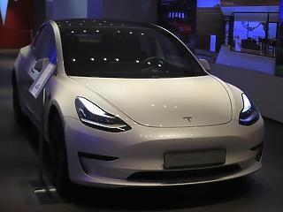 Soha nem látott szinten az európai tőzsdék, remekelt a Tesla
