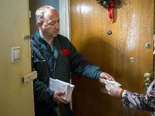 Magyar Posta: karácsonyi jutalom színesíti a dobra vert balatoni ingatlanokat és a drasztikus áremelést