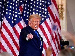 Donald Trump már a bíróságon próbálna elnök maradni