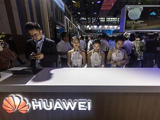 Ez lenne a Huawei válasza Amerika keménykedésére?