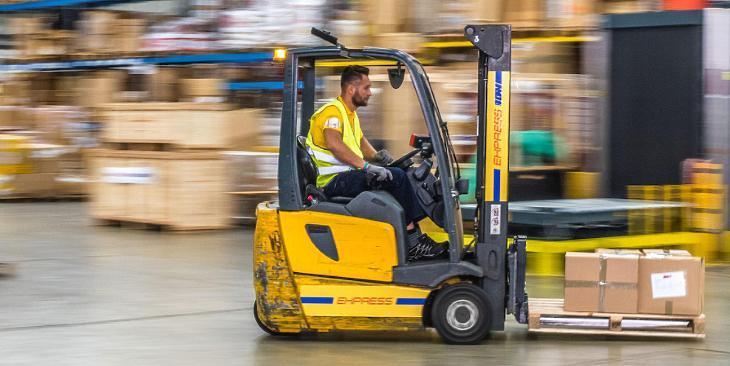 Tülekedés indult a rendkívül vonzó logisztikai piacon, magyar cégek is nyerni akarnak