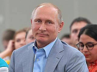 Putyin munkaszünetet rendelt el, és bedobta a gazdaságvédelmi csomagot