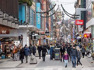 Szigorít Svédország, de nem mond le a különutas modellről