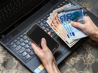 Tovább habzsolja a kötvényeket az EKB