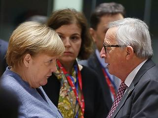 A nap képei: megint nagyot parádézott Juncker Brüsszelben
