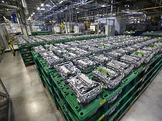 Százmilliárdos osztalékot vettek ki a magyar Opel-gyárból