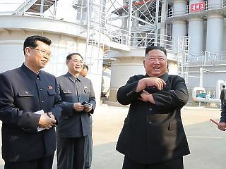 Miniszterelnököt váltott Kim Dzsong Un