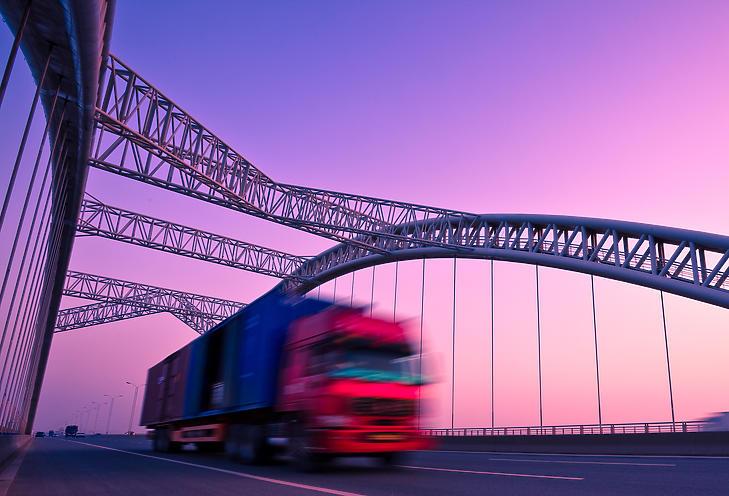 A koronavírus szétverte a hazai teherautó-piacot is