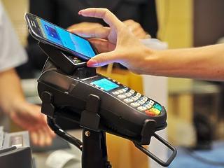 Ha Visa-kártyás, a CIB-nél is fizethet Apple Pay-yel