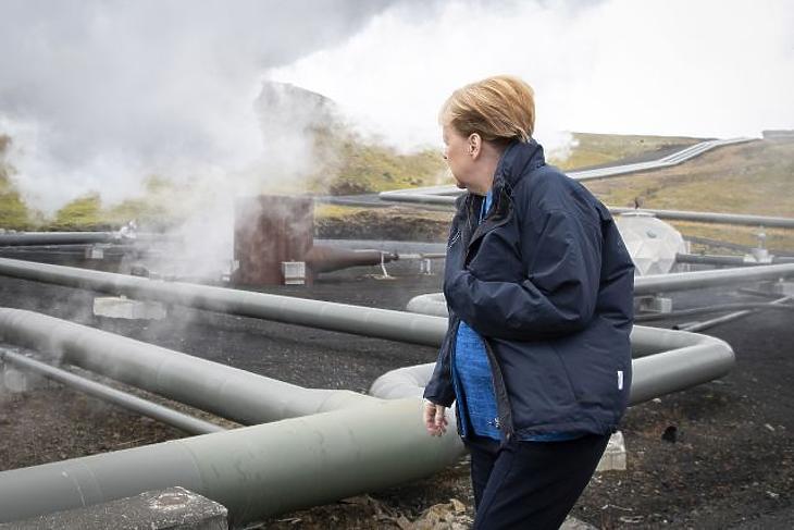 A nap képe: hatalmas turnét nyomott le Angela Merkel