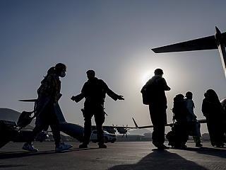 Még 1500 amerikai van Afganisztánban, van köztük olyan is, aki haza se akar menni