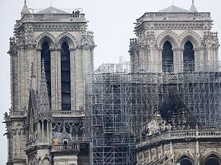 Székesfehérvár is küld 10 ezer eurót a Notre-Dame-ra