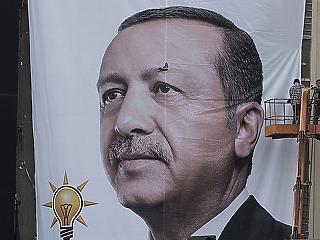Szankciókkal büntetnék Törökországot