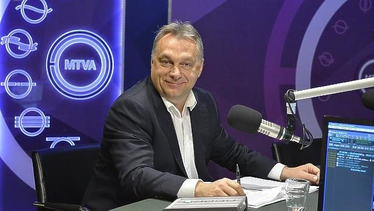 Orbán Viktor a Kossuth Rádióban. Fotó: MTI