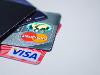 Folytatódik a bankkártyák térhódítása - mire költenek a magyarok?