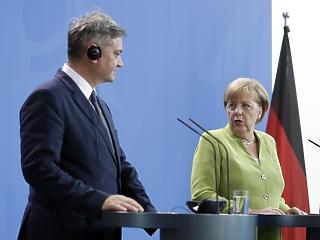 Merkel pénzt ad, hogy az EU-n kívül tartsa a bevándorlókat