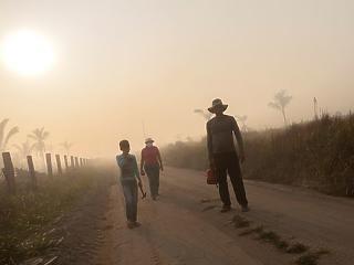 A nap képe: akkora a füst Amazóniában, hogy alig látni a napot