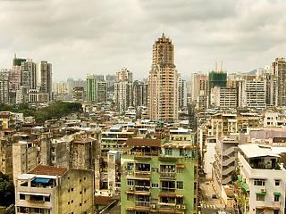 Mézesmadzag és korbács - Peking Hongkongnak is Makaó sorsát szánja