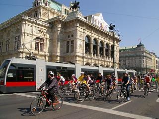Kosz, szegénység, bűnözés? Lázár leoltotta, a Nyugat megkoronázta Bécset