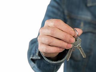 Hogyan kaphatnak milliókat lakásfelújításra a családok? Részletek
